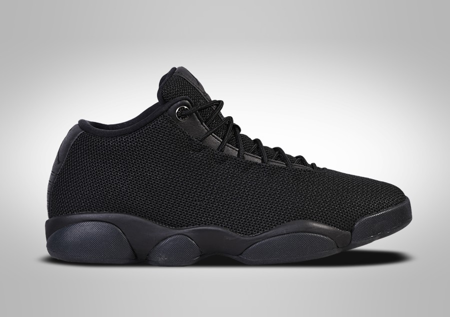 low priced 9f780 08c1b NIKE AIR JORDAN HORIZON LOW TRIPLE BLACK