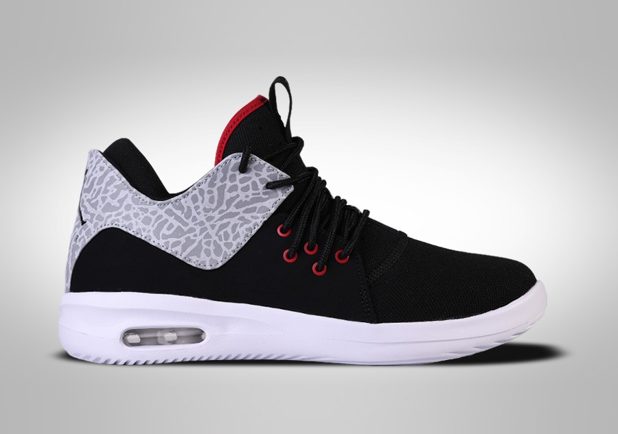 the latest 6c372 41642 NIKE AIR JORDAN FIRST CLASS BG BRED