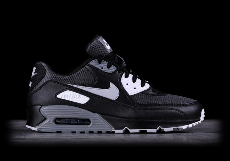 NIKE AIR MAX 90 ULTRA 2.0 ESSENTIAL (Gr.43)