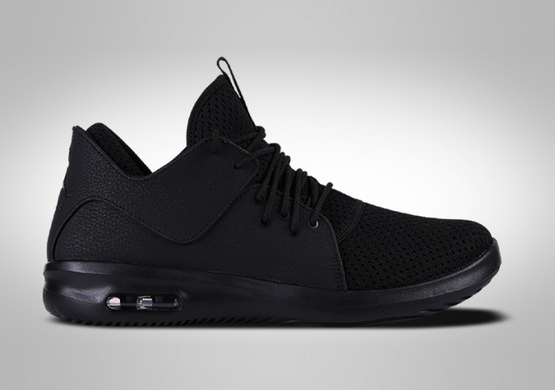 NIKE AIR JORDAN FIRST CLASS TRIPLE BLACK