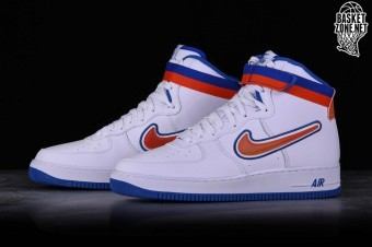 new styles 5f4f8 67fab NIKE AIR FORCE 1 HIGH  07 LV8 SPORT NBA KNICKS