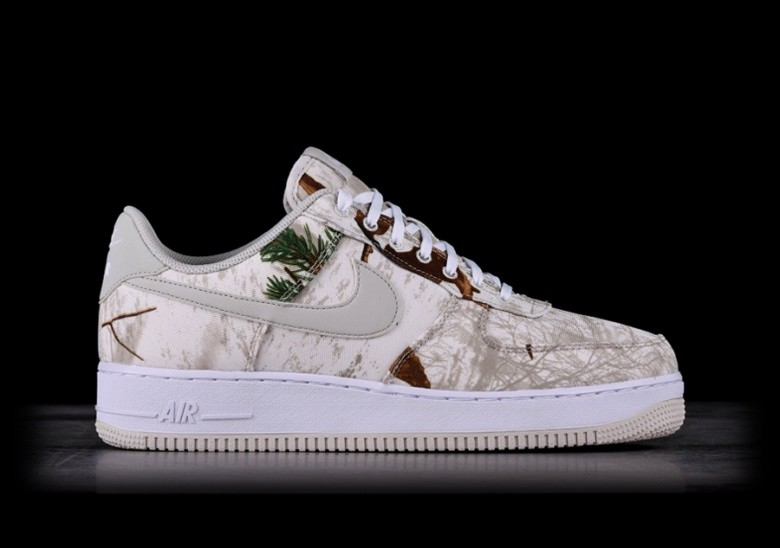 sports shoes ff01f 2bba7 NIKE AIR FORCE 1  07 LV8 3 REFLECTIVE CAMO WHITE