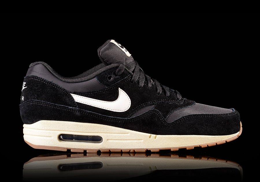 Nike Air Max Essential Black