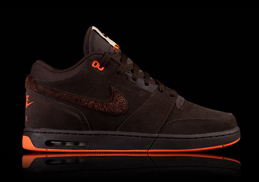NIKE AIR STEPBACK PREMIUM VELVET BROWN